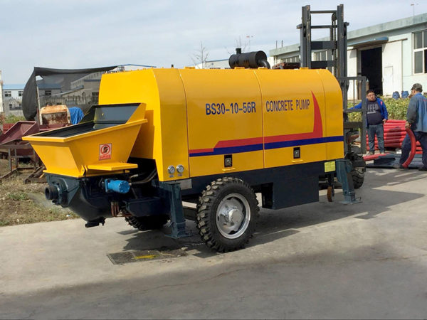 diesel engine concrete trailer pump