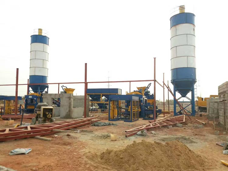 cement block making machine for sale works in construction site