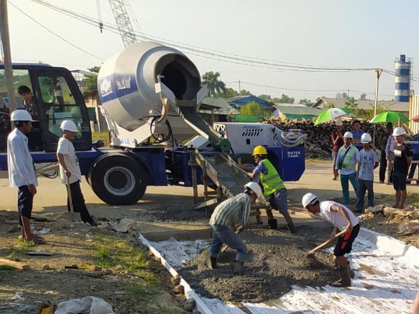 AS-3.5 self-loading concrete mixer working in Myanmar
